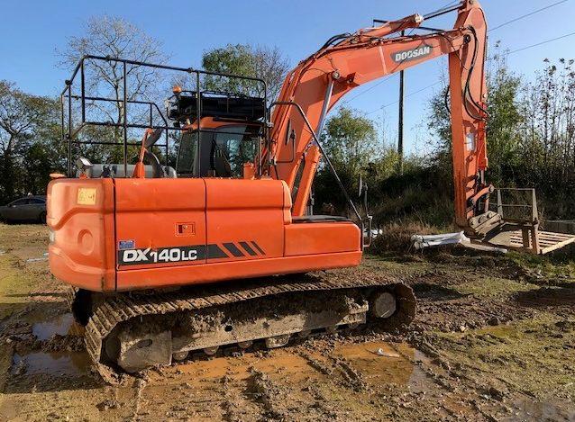 2011 Doosan 140 Excavator