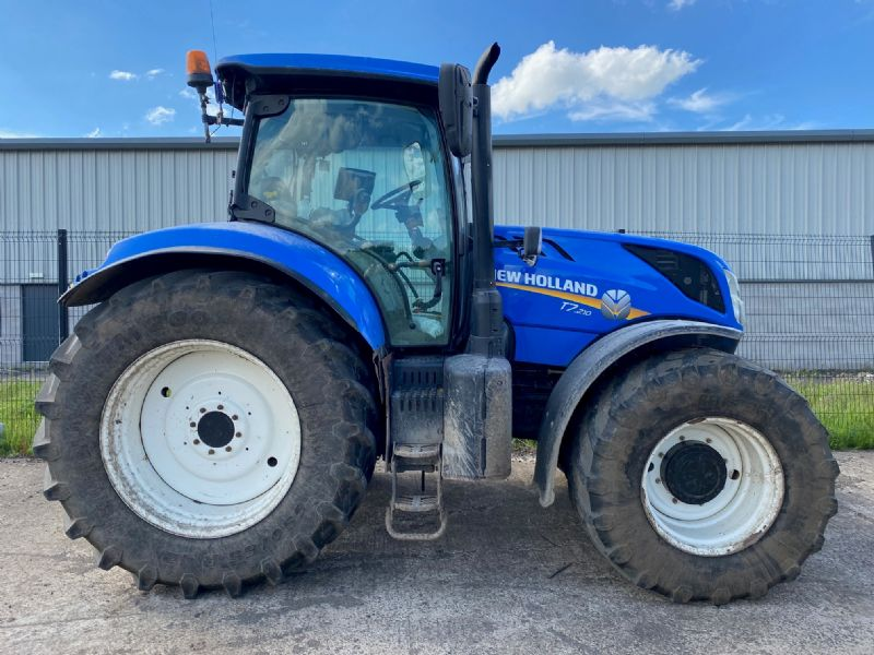 2017 New Holland T7.210 Power Command
